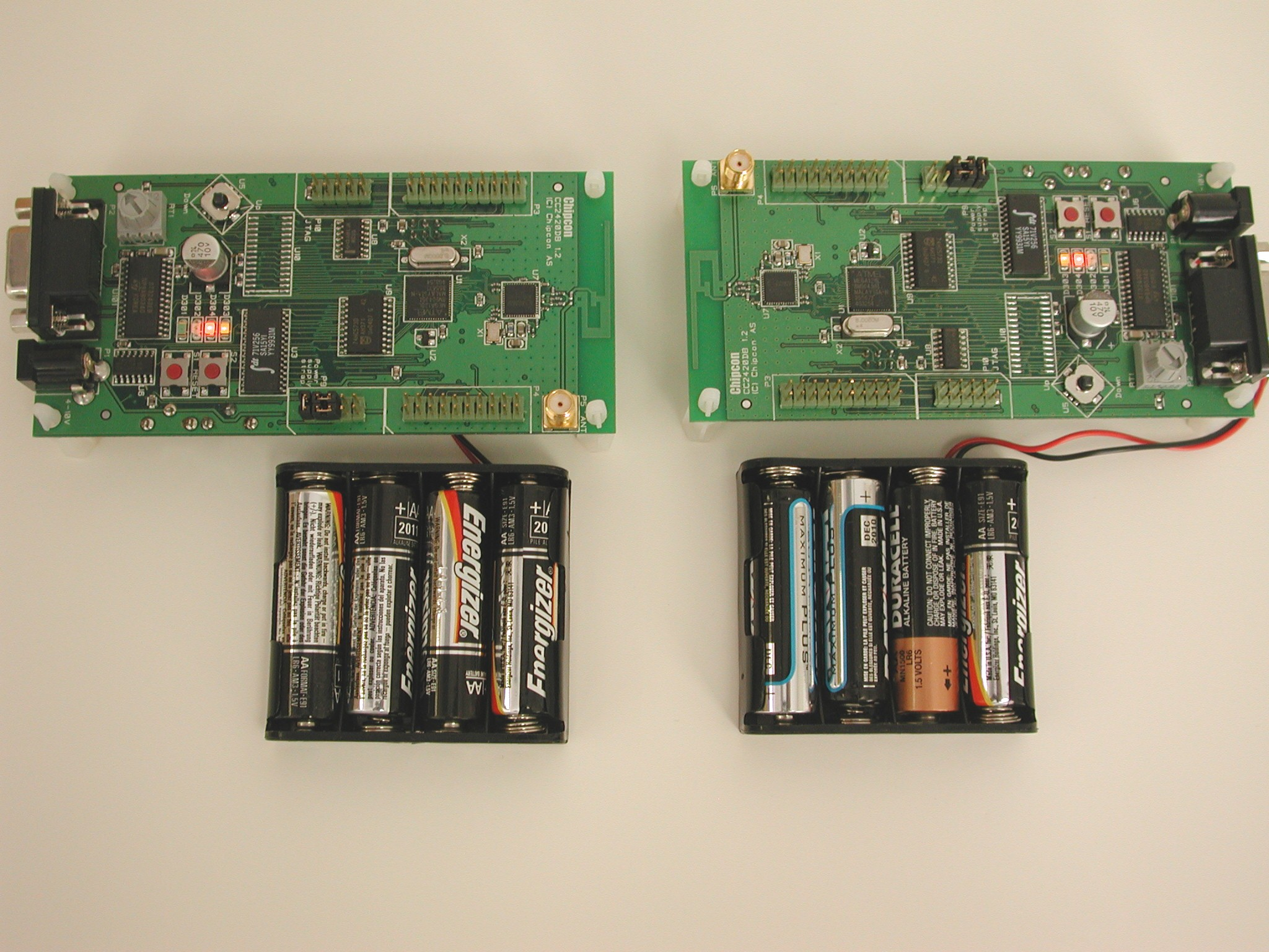 Boards with antennas facing eachother